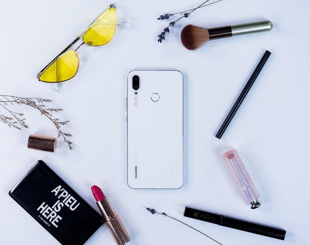 Đơn giản nhưng cuốn hút, chiếc smartphone này đáng để bạn tự thưởng cho bản thân dịp cuối năm - Ảnh 4.