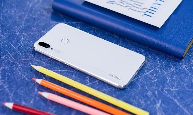 Đơn giản nhưng cuốn hút, chiếc smartphone này đáng để bạn tự thưởng cho bản thân dịp cuối năm - Ảnh 5.