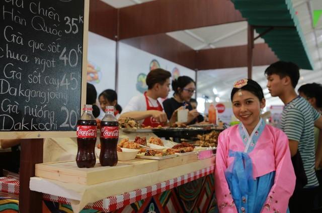 """Hình như cả Sài thành đang đổ về đây """"ăn trọn Thái, Hàn, Việt, Nhật - ảnh 11"""