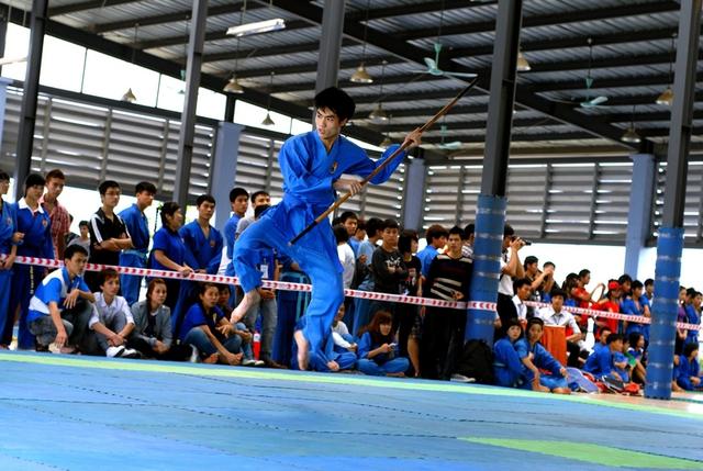 Đi quyền, bay người, kẹp cổ đến đồng diễn võ thuật, 7000 anh em FPT Edu cũng làm ngon ơ - ảnh 4