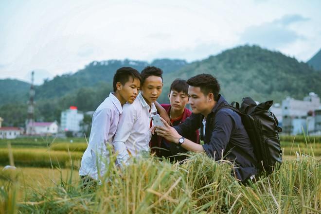Chan La Cà - Nghe travel blogger trải nghiệm dưới tán cây xanh và hành trình về những câu chuyện đẹp đẽ - ảnh 13