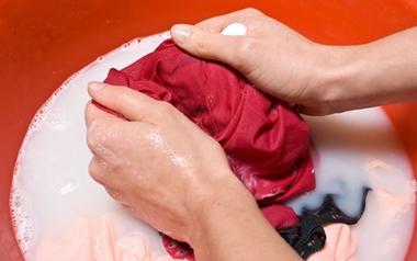 Hướng dẫn giặt đúng cách cho từng loại vải trang phục