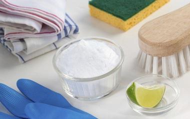 Làm sạch mọi ngóc ngách của tủ lạnh cực nhanh chỉ với nguyên liệu siêu rẻ tiền