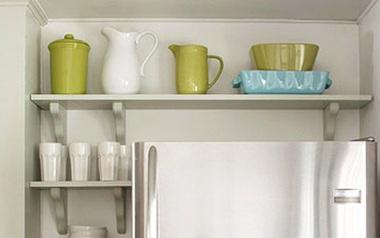 Mẹo tận dụng khoảng không trên nóc tủ lạnh lưu trữ đồ cực gọn