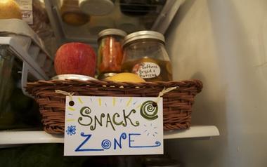 9 cách để tủ lạnh nhà bạn gọn gàng và sạch sẽ trong nháy mắt