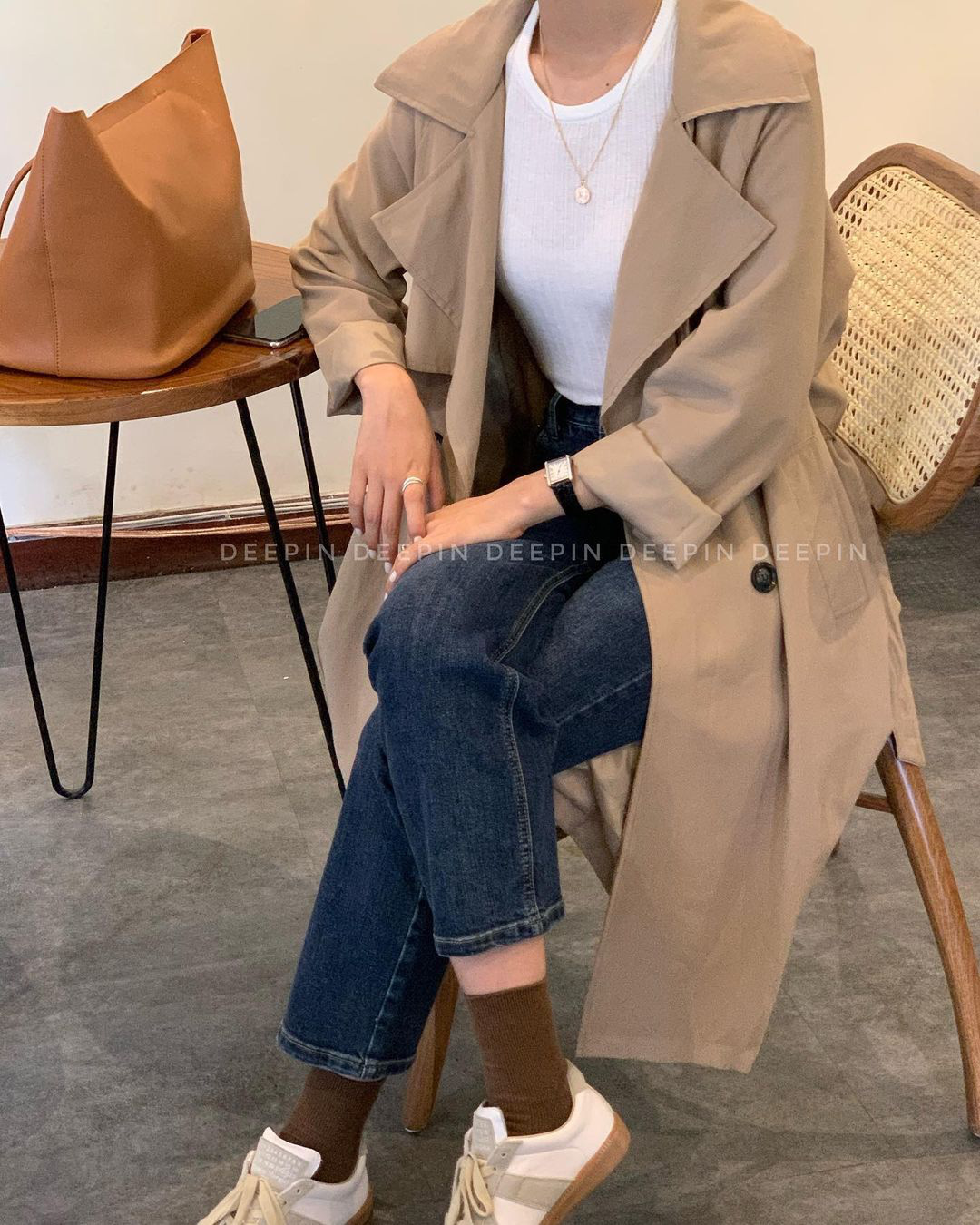 Sắm trench coat lúc này là đúng đắn nhất, lên đồ đơn giản cỡ nào cũng sang chảnh hay ho như gái Hàn - Ảnh 4.