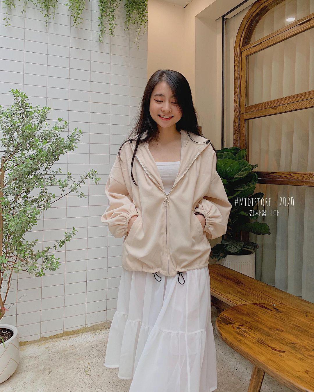Sắm áo màu be, style của bạn chỉ có thanh lịch như gái Pháp hoặc sang xịn như gái Hàn trở lên  - Ảnh 12.