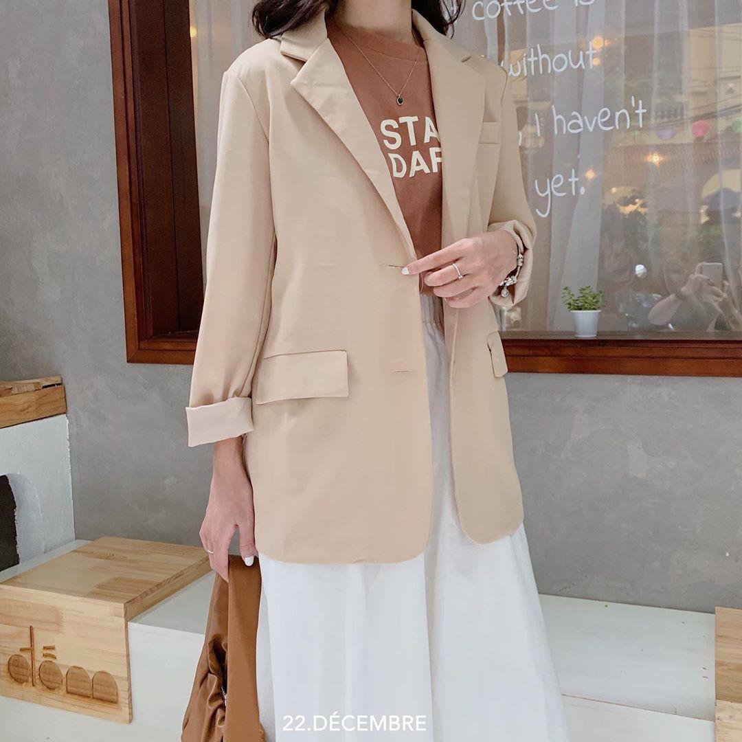 Sắm áo màu be, style của bạn chỉ có thanh lịch như gái Pháp hoặc sang xịn như gái Hàn trở lên - Ảnh 2.