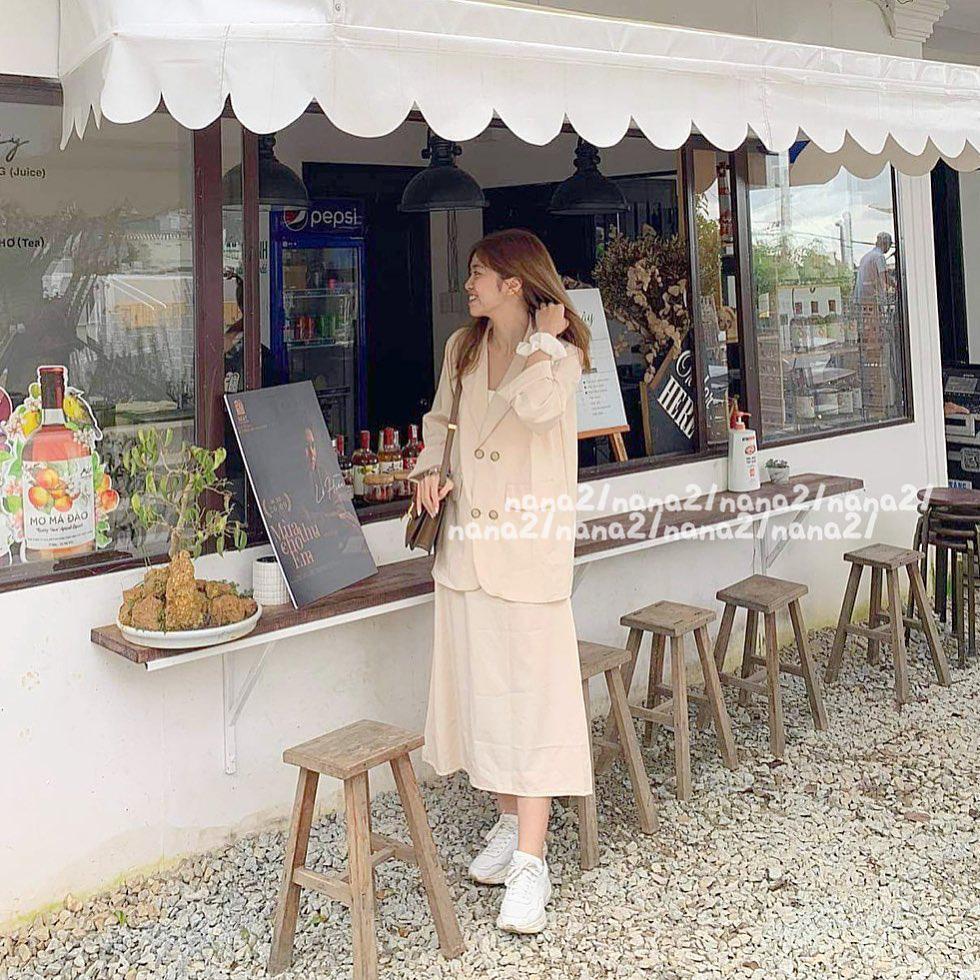 Sắm áo màu be, style của bạn chỉ có thanh lịch như gái Pháp hoặc sang xịn như gái Hàn trở lên - Ảnh 3.
