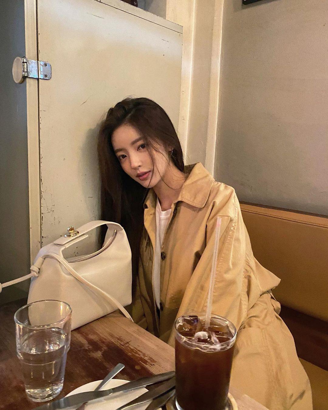Hóng đồ Zara, H&M, Uniqlo được sao Hoa Hàn diện đợt này, biết ngay đâu là items đáng sắm nhất - Ảnh 8.