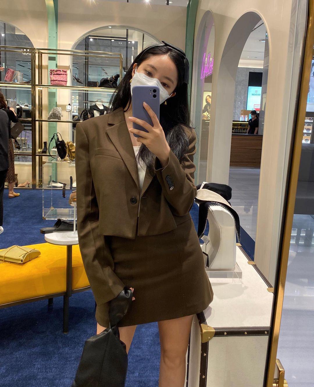 Đồ Zara, H&M sao Hàn sắm đợt này: Tân binh nhà SM diện đồ rẻ mà sang như hàng hiệu - Ảnh 4.