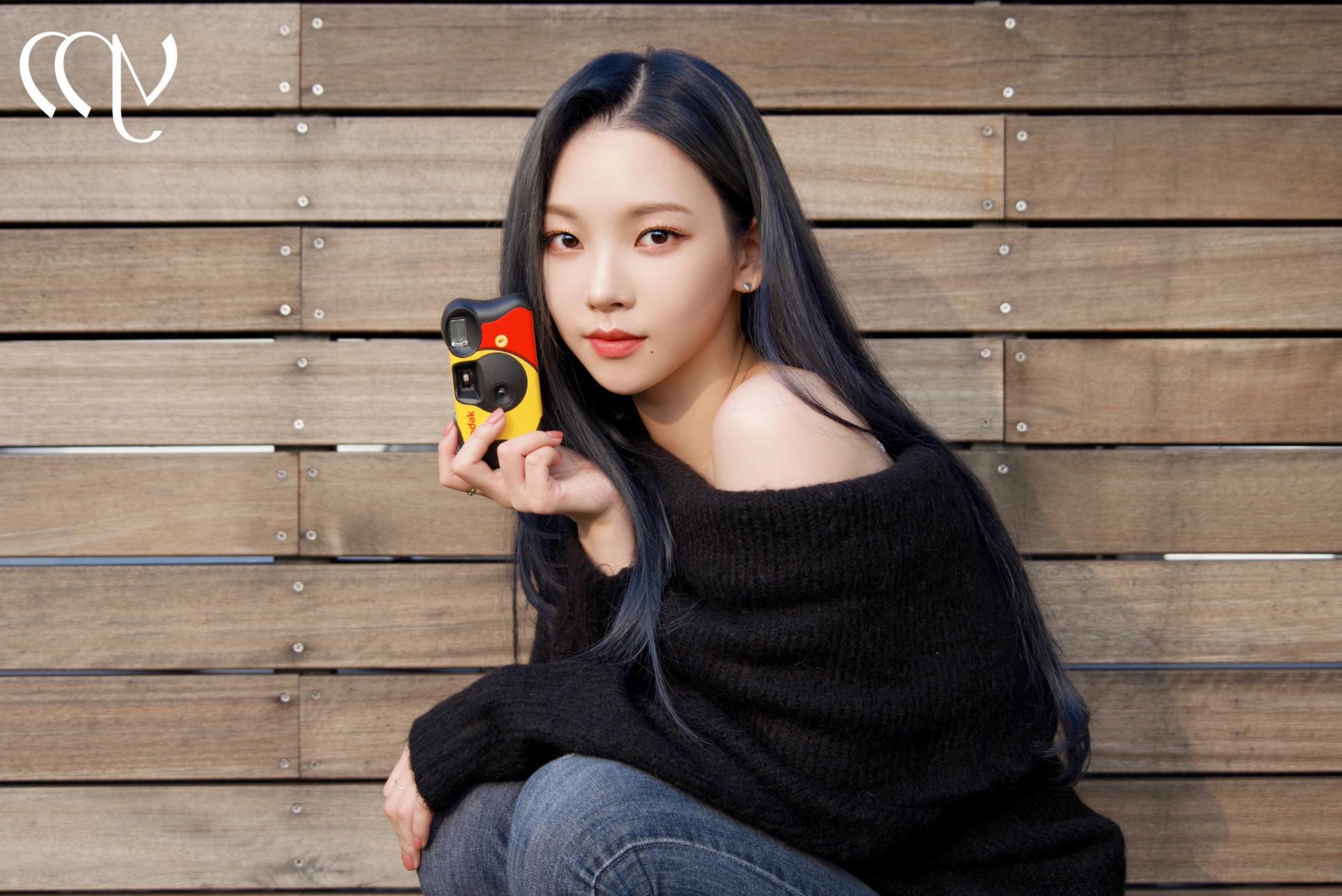 Đồ Zara, H&M sao Hàn sắm đợt này: Tân binh nhà SM diện đồ rẻ mà sang như hàng hiệu - Ảnh 1.