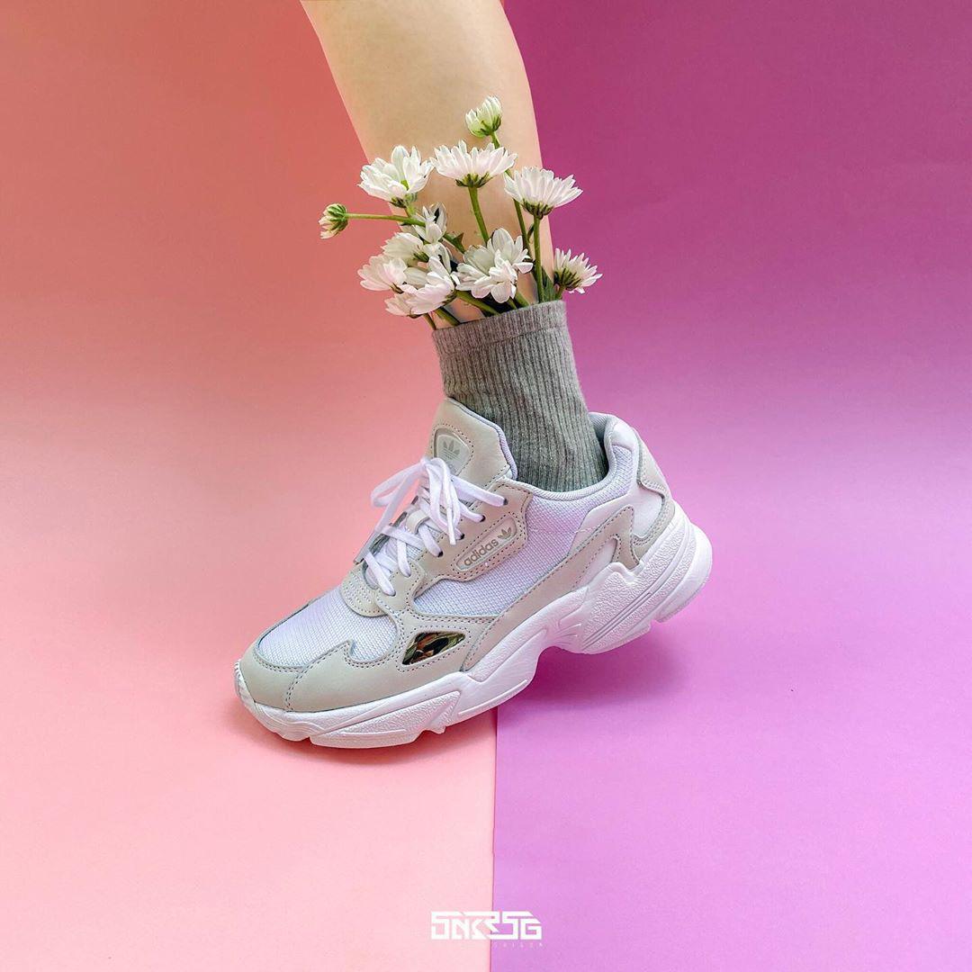 """Chunky sneaker đang sale khủng: 550K là rinh được em """"chất"""" - Ảnh 3."""