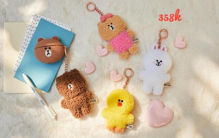 Bắt chước Jisoo, Lisa sắm móc khóa thú bông treo túi siêu cute - Ảnh 6.