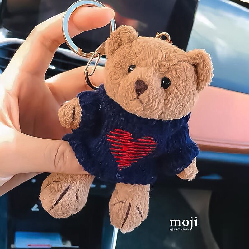 Bắt chước Jisoo, Lisa sắm móc khóa thú bông treo túi siêu cute - Ảnh 8.