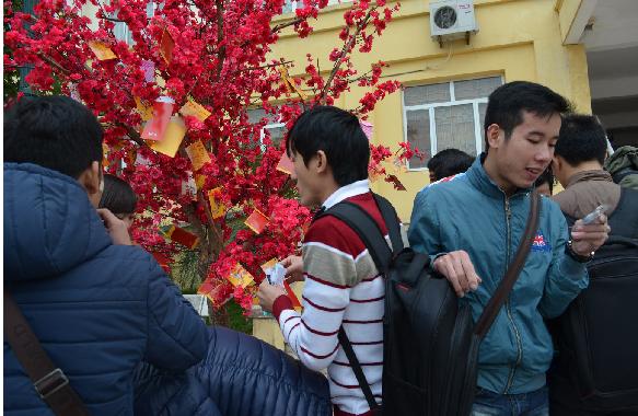 Mr.T đồng hành cũng sinh viên Hà Nội trong chuỗi đêm nhạc từ thiện 5