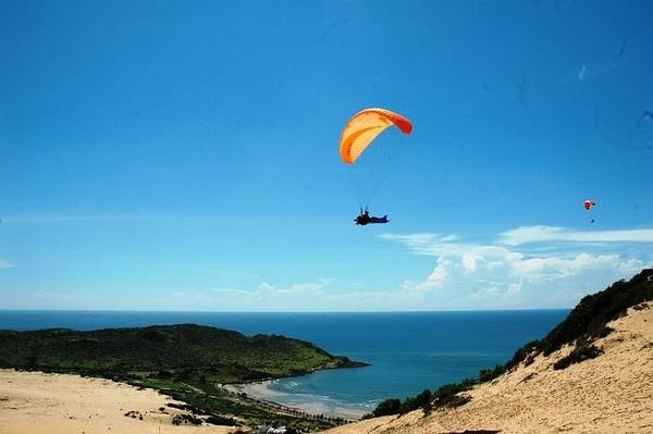 Cùng Thanh Hằng bay lượn trên núi Hòn Hồng, Phan Thiết 6