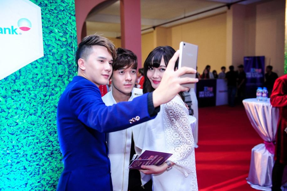 Á quân Học viện Ngôi sao chạy show dự sự kiện - Ảnh 2.