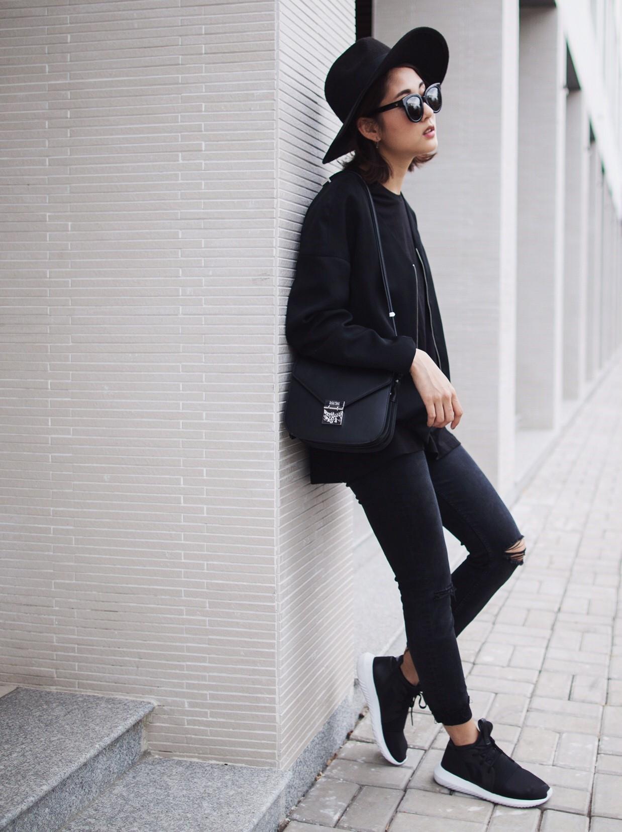 Sao & fashionista Việt thi nhau khoe street style hiện đại - Ảnh 2.