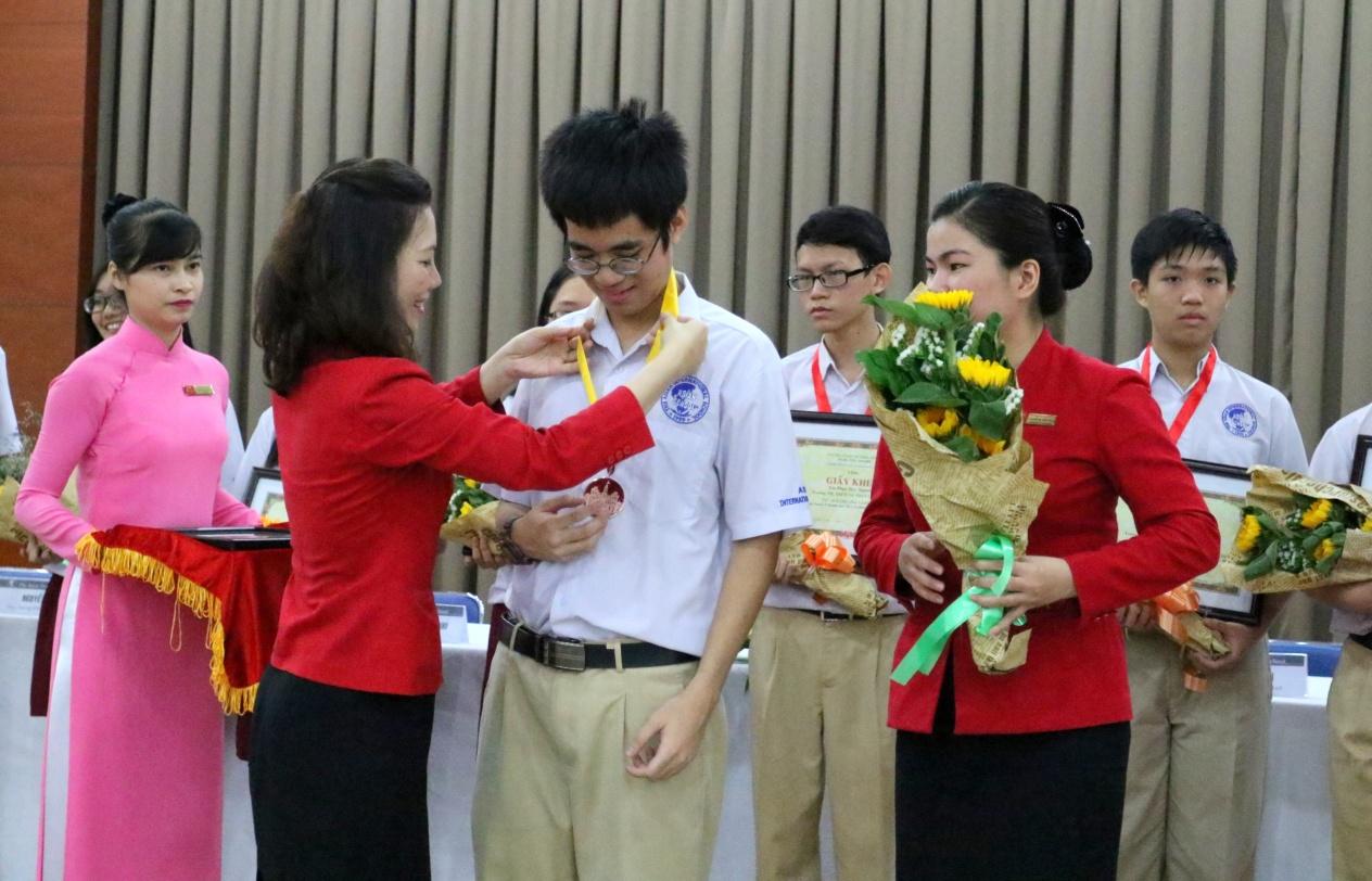 Học sinh Quốc tế Á Châu đạt thành tích cao trong Kỳ thi Olympic - Ảnh 2.