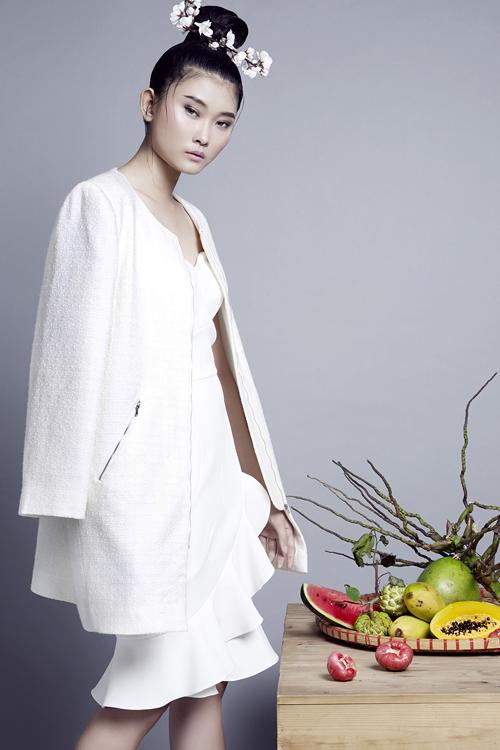 Siêu mẫu Kim Nhung lột xác với làn da trắng nõn - Ảnh 3.