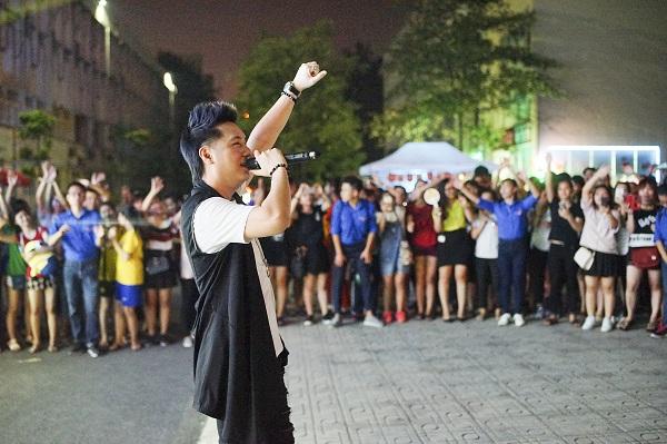 """Tour diễn """"Back To School"""" với sân khấu cực độc, có 1-0-2 lần đầu tiên xuất hiện tại Việt Nam - Ảnh 2."""