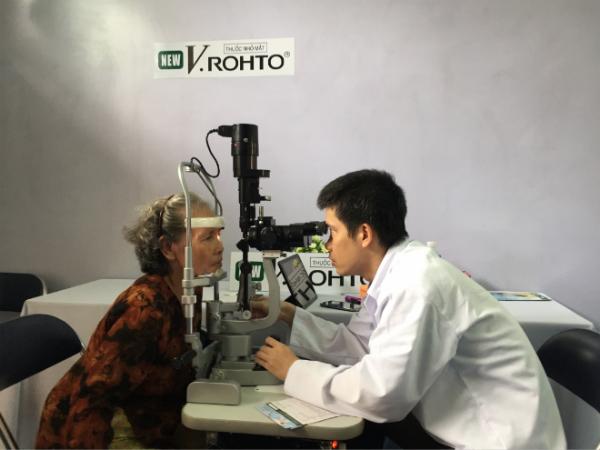 Hành trình 11 năm của chương trình Chăm Sóc Mắt Cộng Đồng - Ảnh 1.