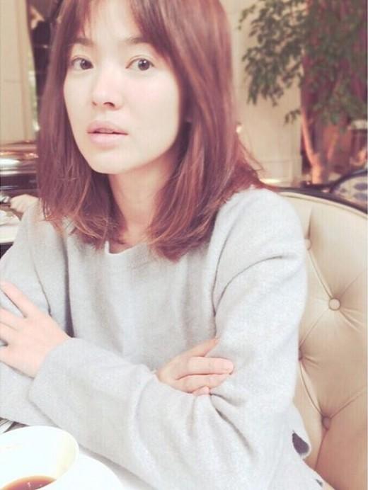 Vẻ đẹp tự tin no filter đáng mơ ước của loạt sao Hàn - Ảnh 7.