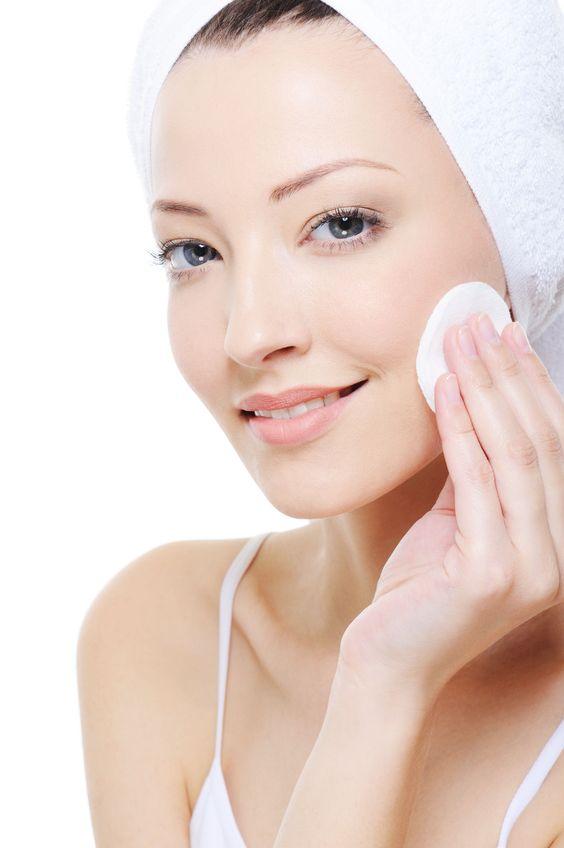 5 bước trang điểm nền siêu mượt mà đơn giản cho các nàng da dầu và da hỗn hợp - Ảnh 2.