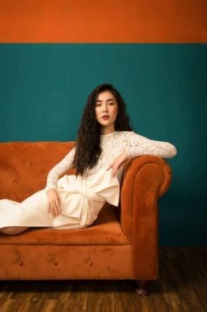 Helly Tống - Nàng thơ mùa lễ hội trong BST đầm liền xòe của Cocosin - Ảnh 6.