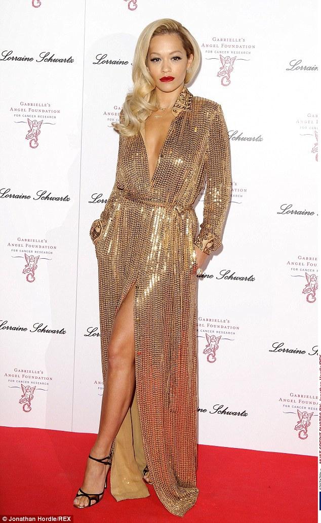 Rita Ora và phong cách nổi bật giữa rừng sao US-UK - Ảnh 1.