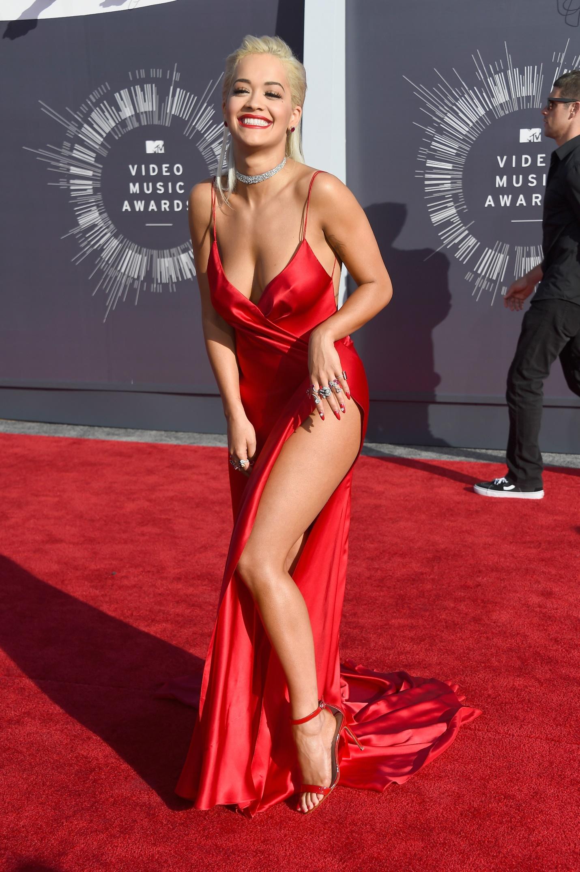 Rita Ora và phong cách nổi bật giữa rừng sao US-UK - Ảnh 6.