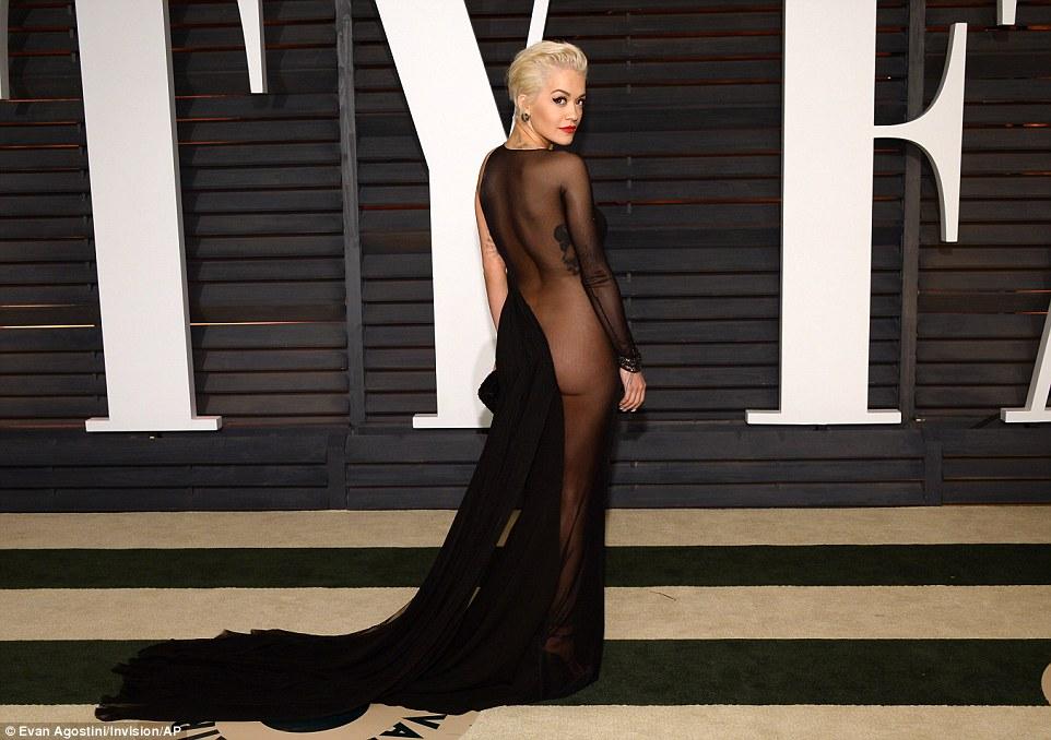 Rita Ora và phong cách nổi bật giữa rừng sao US-UK - Ảnh 11.