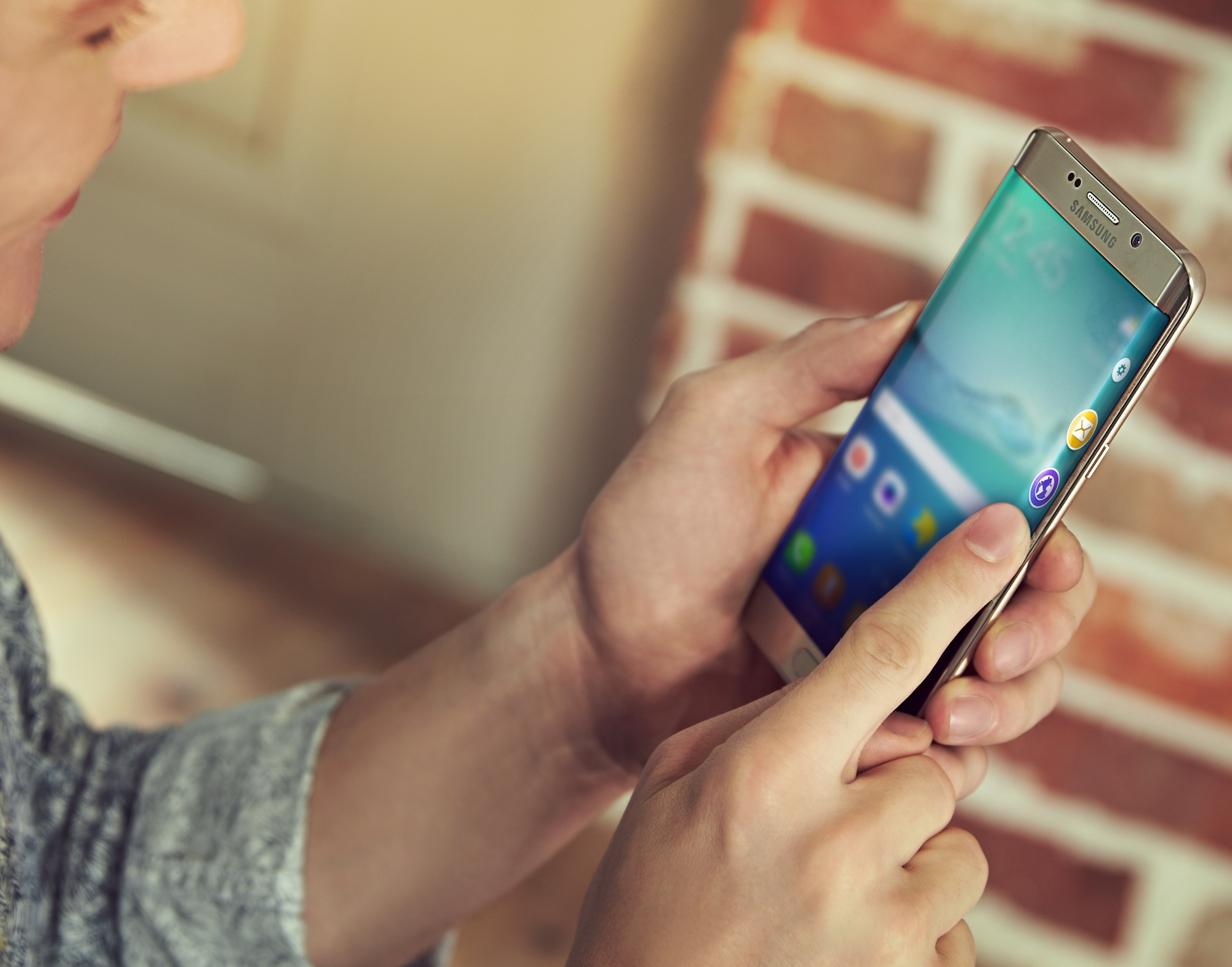 Samsung tặng Gear S2 cho những khách hàng may mắn trúng lộc đầu xuân - Ảnh 2.