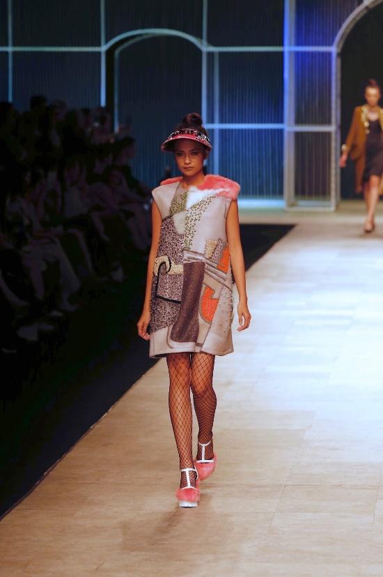 Ngọc Châu, Hoàng Thùy nổi bật với thiết kế lấy cảm hứng từ danh họa Picasso - Ảnh 1.