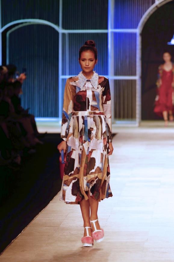 Ngọc Châu, Hoàng Thùy nổi bật với thiết kế lấy cảm hứng từ danh họa Picasso - Ảnh 2.