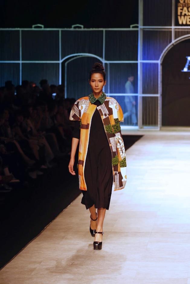 Ngọc Châu, Hoàng Thùy nổi bật với thiết kế lấy cảm hứng từ danh họa Picasso - Ảnh 8.