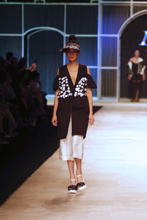 Ngọc Châu, Hoàng Thùy nổi bật với thiết kế lấy cảm hứng từ danh họa Picasso - Ảnh 10.