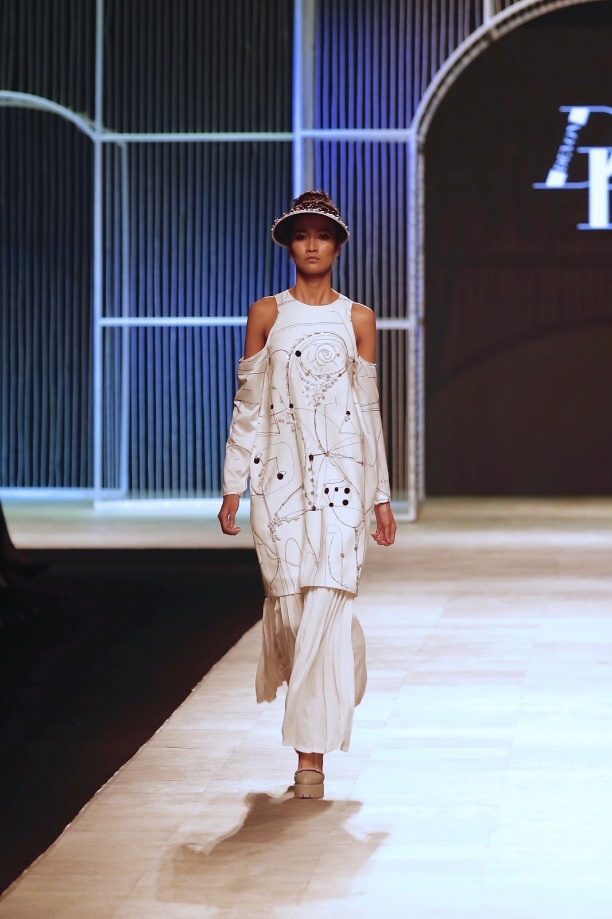 Ngọc Châu, Hoàng Thùy nổi bật với thiết kế lấy cảm hứng từ danh họa Picasso - Ảnh 11.