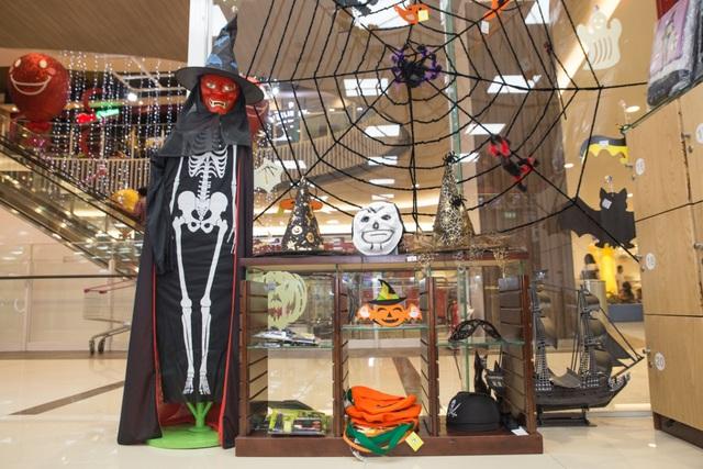 Giới trẻ Sài thành đón Halloween tại Làng bí thần tiên - Ảnh 8.