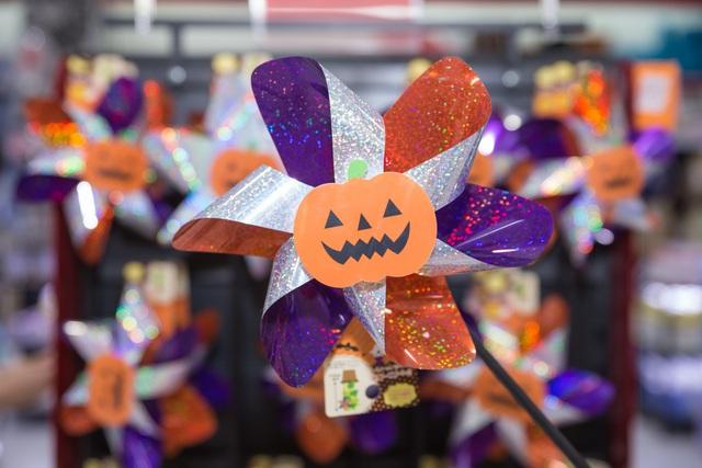 Giới trẻ Sài thành đón Halloween tại Làng bí thần tiên - Ảnh 10.