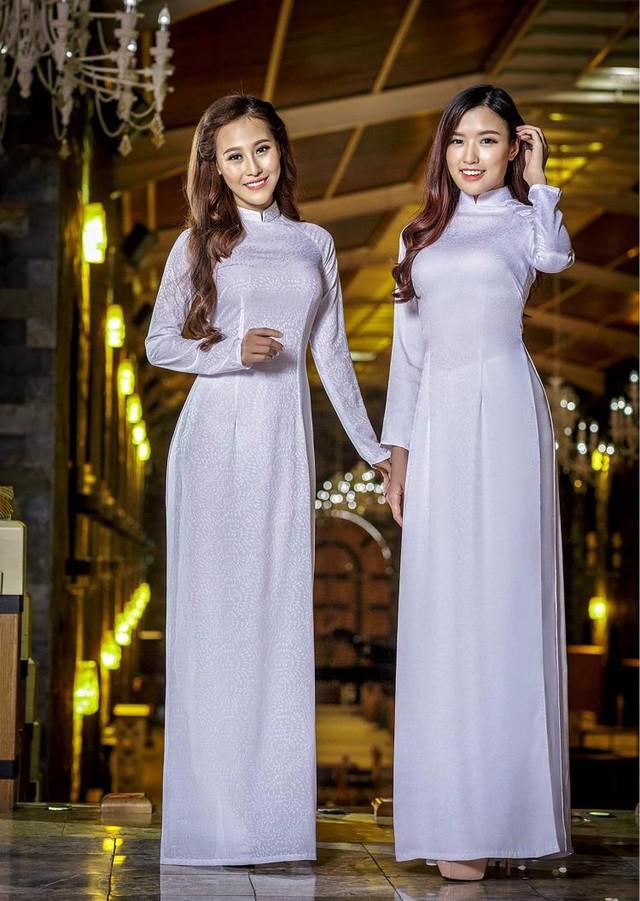 Nữ hoàng trang sức đẹp tinh khôi trong áo dài trắng - Ảnh 7.