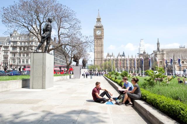 Vương Quốc Anh vẫn là lựa chọn hàng đầu của du học sinh - Ảnh 1.