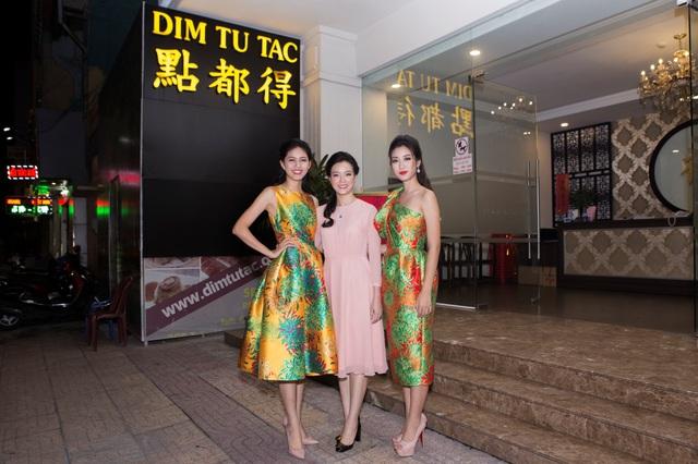 Hoa hậu Đỗ Mỹ Linh đẹp rạng ngời tham dự đêm tiệc tại Queen Plaza - Ảnh 5.