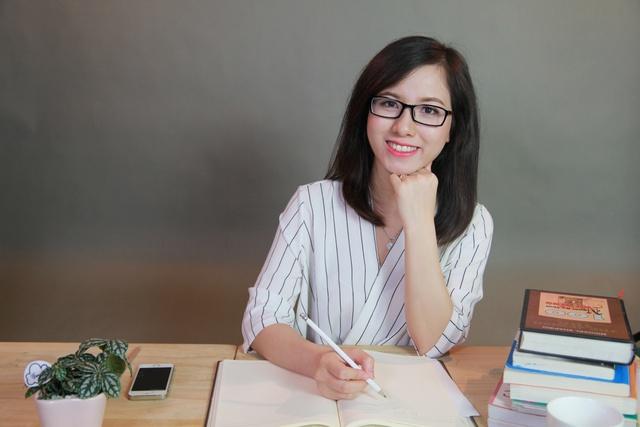 Cô gái với ước mơ dạy tiếng Anh miễn phí cho 1 triệu người Việt - Ảnh 1.