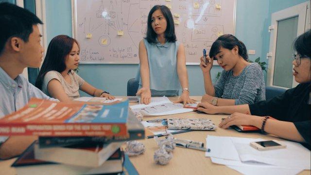 Cô gái với ước mơ dạy tiếng Anh miễn phí cho 1 triệu người Việt - Ảnh 4.
