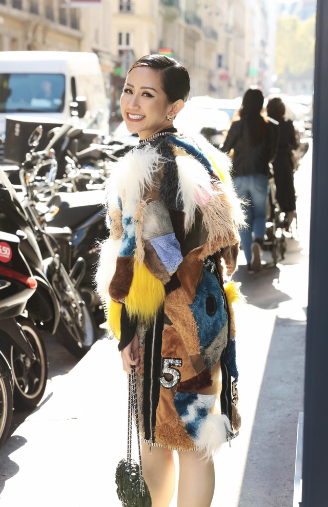 Cô gái Việt hội ngộ loạt fashionista đình đám thế giới tại Paris Fashion Week - Ảnh 1.