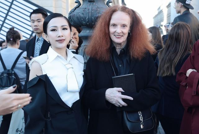 Cô gái Việt hội ngộ loạt fashionista đình đám thế giới tại Paris Fashion Week - Ảnh 7.