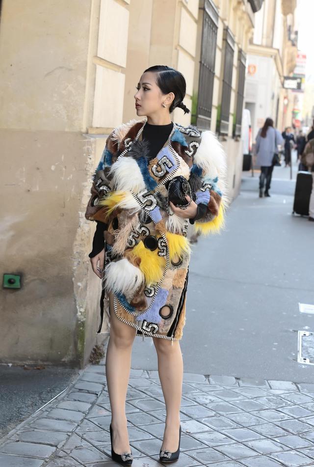 Cô gái Việt hội ngộ loạt fashionista đình đám thế giới tại Paris Fashion Week - Ảnh 8.