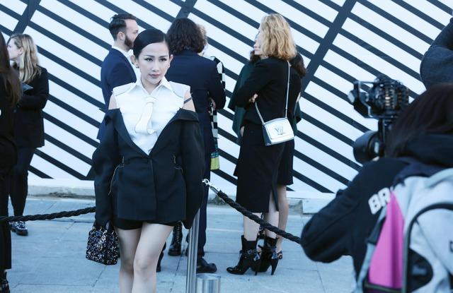 Cô gái Việt hội ngộ loạt fashionista đình đám thế giới tại Paris Fashion Week - Ảnh 11.